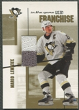 2003/04 ITG Used Signature Series #24 Mario Lemieux Franchise Gold Jersey /10