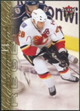 2009/10 Ultra Gold Medallion #22 Robyn Regehr