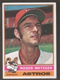 1976 Topps Baseball #297 Roger Metzger Signed in Person Auto
