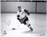 Gordie Howe Autographed Detroit Red Wings 16x20 Hockey Photo (UDA)