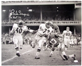 Gale Sayers Autographed Chicago Bears 16x20 Photo (JSA COA)