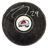 Nathan MacKinnon Autographed Colorado Avalanche Hockey Puck (Frameworth)