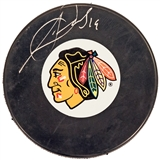 Jonathan Toews Autographed Chicago Blackhawks Hockey Puck (Frameworth)