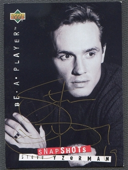 1994/95 Be A Player Autographs #115 Steve Yzerman Auto