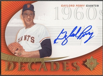 2005 Ultimate Signature #GP Gaylord Perry Decades Giants Auto