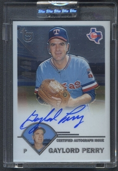 2003 Topps Retired Signature #GP Gaylord Perry Auto
