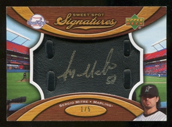 2007 Upper Deck Sweet Spot Signatures Black Glove Leather Gold Ink #SE Sergio Mitre /5