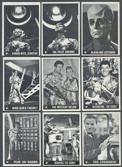 Lost In Space Near Complete Set (1966 Topps) (EX-MT Condition)
