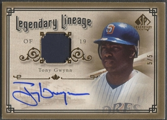 2005 SP Legendary Cuts #TG Tony Gwynn Legendary Lineage Gold Patch Auto #5/5