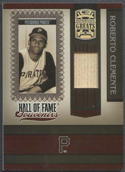 2005 Donruss Greats #6 Roberto Clemente Kneeling Hall of Fame Souvenirs Material Bat