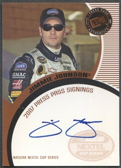 2007 Press Pass #32 Jimmie Johnson Signings Auto