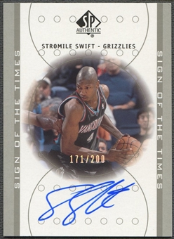 2000/01 SP Authentic #SS Stromile Swift Sign of the Times Platinum Rookie Auto #171/200