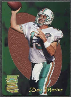 1995 Absolute/Prime #7 Dan Marino Pigskin Preview