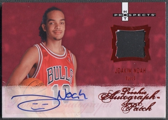 2007/08 Fleer Hot Prospects #131 Joakim Noah Red Rookie Patch Auto #11/25
