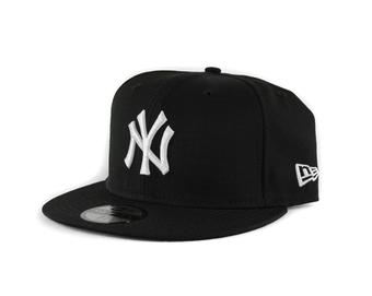 New York Yankees New Era 59Fifty Fitted Black Hat (7 5/8)