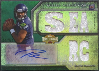 2012 Topps Triple Threads #131B Russell Wilson Emerald Rookie Jersey Auto #23/50