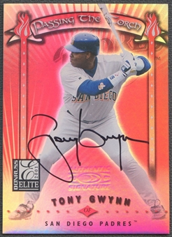 2001 Donruss Elite #PT2 Tony Gwynn Passing the Torch Auto #016/100