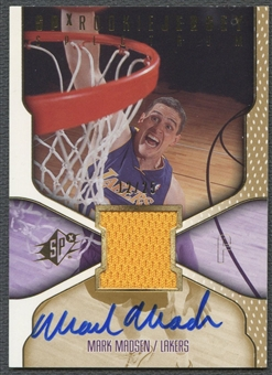 2000/01 SPx #92 Mark Madsen Spectrum Rookie Jersey Auto #12/25