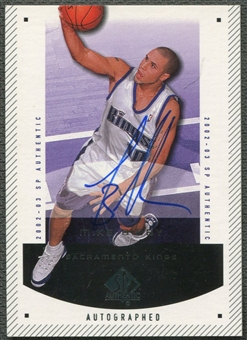 2002/03 SP Authentic #71A Mike Bibby Limited Auto