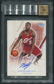 2003/04 Ultimate Collection #127 LeBron James Rookie Auto #024/250 BGS 9