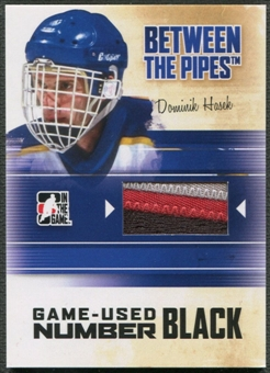 2010/11 Between The Pipes #M68 Dominik Hasek Game Used Black Number /6