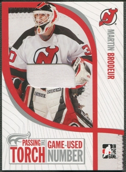 2005 ITG #PTT25 Martin Brodeur Passing the Torch Memorabilia Number /30