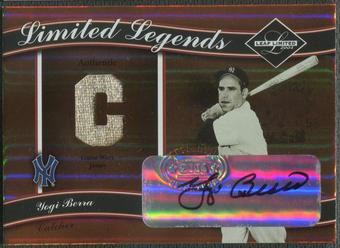 2004 Leaf Limited #24 Yogi Berra Limited Legends Position Jersey Auto #06/25