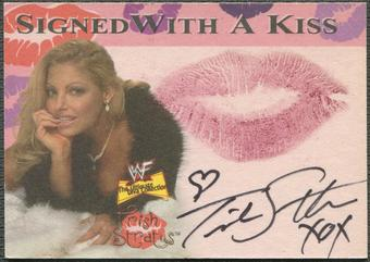 2001 Fleer WWF The Ultimate Diva Collection #8 Trish Stratus Signed with a Kiss Auto