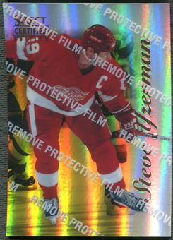 1996/97 Select Certified #41 Steve Yzerman Mirror Gold