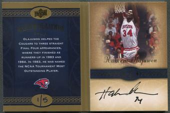 2011 Upper Deck All Time Greats #SCHO1 Hakeem Olajuwon Career Book Card Auto #1/5