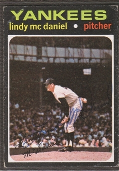 1971 Topps Baseball #303 Lindy McDaniel Signed in Person Auto