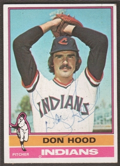 1976 Topps Baseball #132 Don Hood Signed in Person Auto