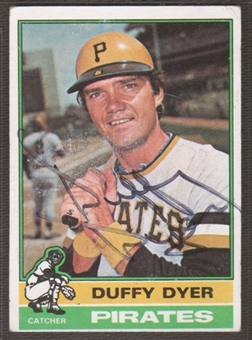 1976 Topps Baseball #88 Duffy Dyer Signed in Person Auto