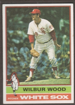 1976 Topps Baseball #368 Wilbur Wood Signed in Person Auto