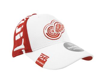 Detroit Red Wings Reebok White & Red Center Ice Draft Structured Flex Fit Hat