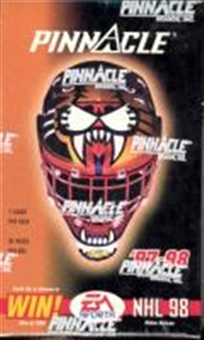 1997/98 Pinnacle Hockey Canadian 36 Pack Box