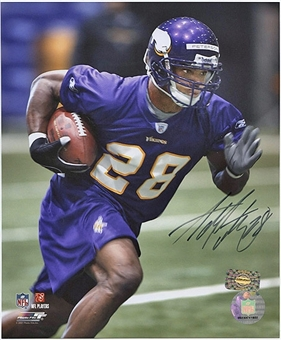"Adrian Peterson Autographed Minnesota Vikings 8x10 Photo ""Practice"""