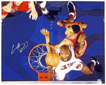 Charles Oakley Autographed New York Knicks 16x20 Photo (Leaf)