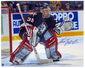 Dominik Hasek Autographed Buffalo Sabres 16x20 Black Jersey Photo