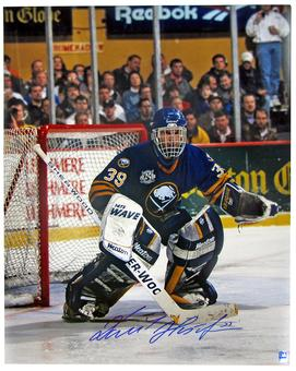 Dominik Hasek Autographed Buffalo Sabres 16x20 Blue Jersey Photo