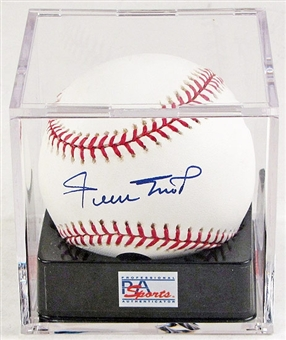 Willie Mays Autographed Official Major League Baseball PSA 9.5