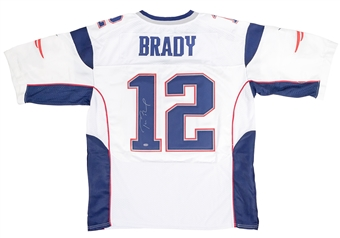 Tom Brady Autographed New England Patriots Nike On Field Jersey (Mounted Memories)