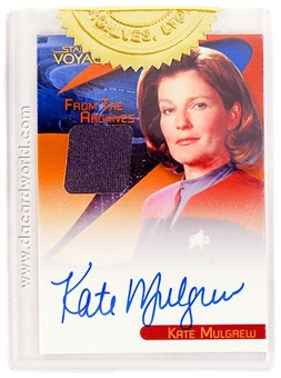The Quotable Star Trek: Voyager Kate Mulgrew as Captain Janeway Autograph Relic Card