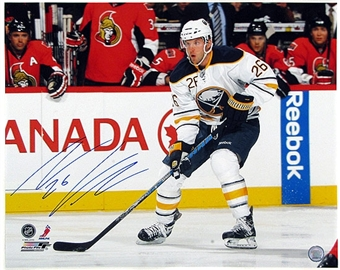 Thomas Vanek Autographed Buffalo Sabres White Jersey 16X20 Hockey Photo
