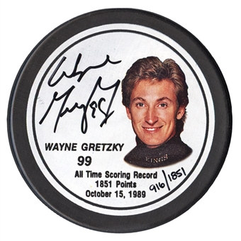 Wayne Gretzky Autographed Los Angeles Kings Commemorative Puck #916/1851 (WGA)