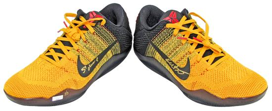 on sale ac380 7764e 2016 Panini National Super VIP Party Exclusive Kobe Bryant Autographed Nike  XI Elite Low Sneakers 3 8